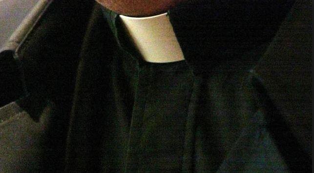 clerical_collar_161585