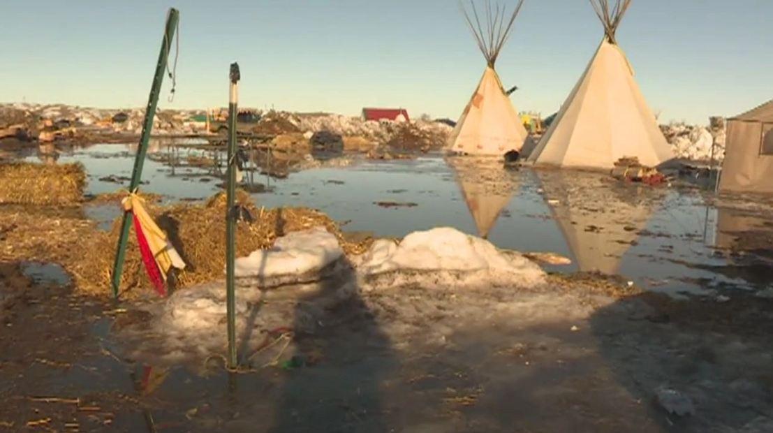 pipeline_camp_flood_190239
