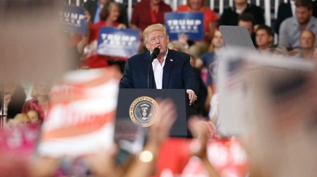 trump_crowd_189313