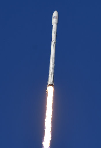 SpaceX Launch_206825
