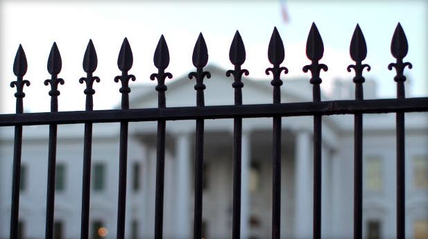 white_house_fence_202215