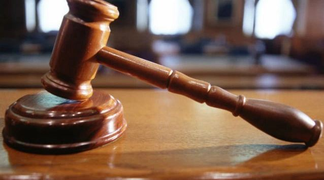 court_judge_gfx_145845