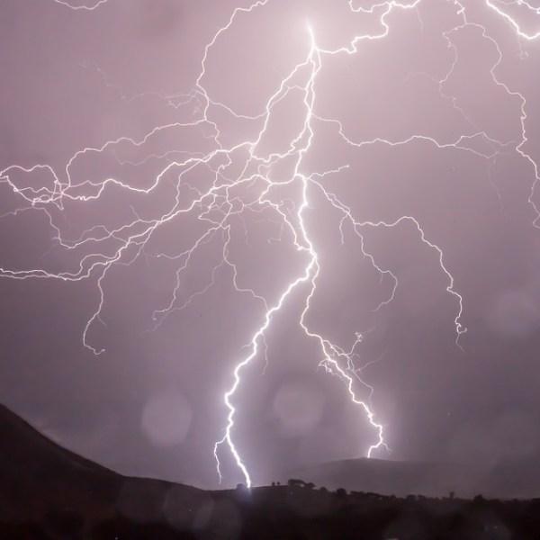 lightning-399853_960_720_241065