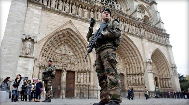notre_dame_security_235784