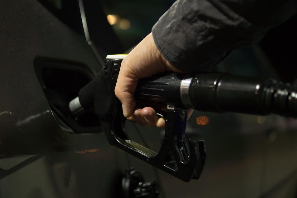 petrol-996617_960_720_1552078570721.jpg