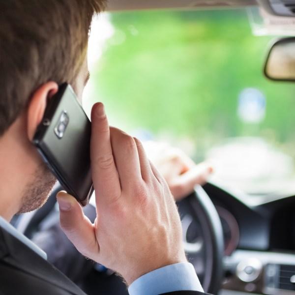 phone driving_1553114835143.jpg-842137438.jpg