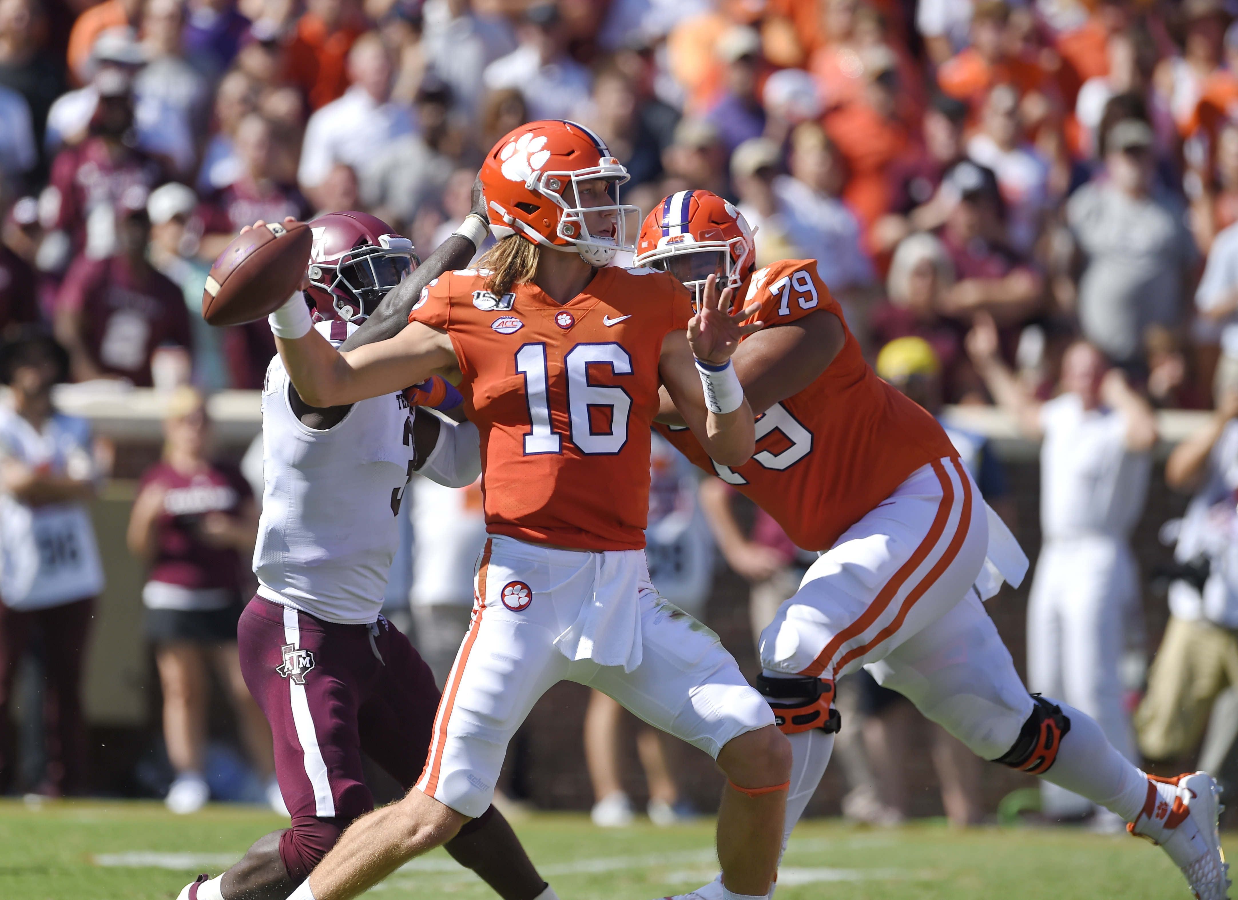 No. 1 Clemson, Lawrence dominate 12th-ranked Aggies 24-10 | WRBL