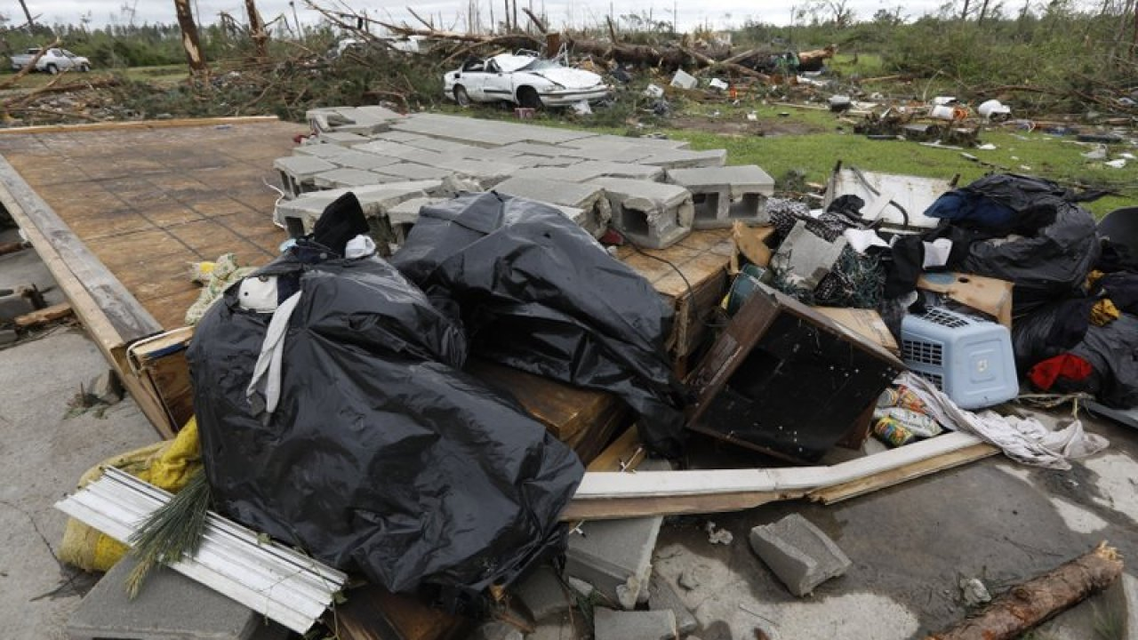 Death toll from tornado outbreak rises to at least 34 | WRBL