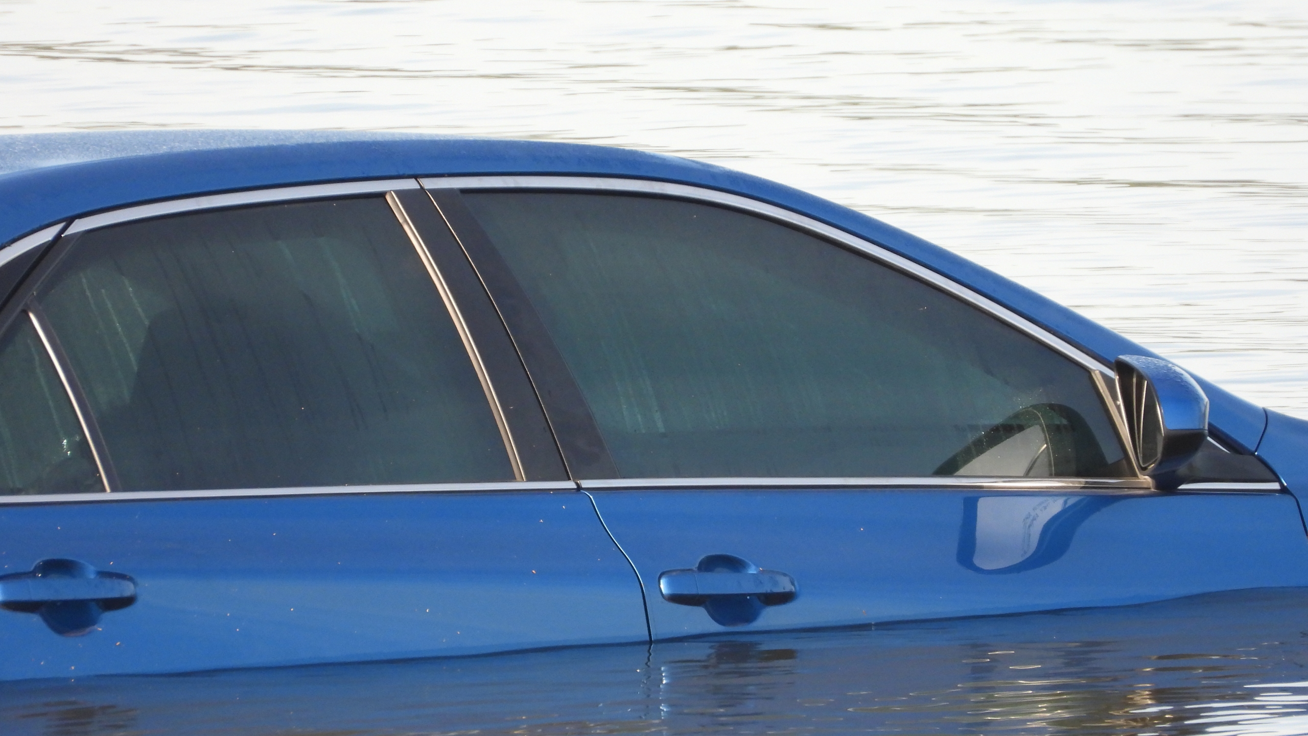 Car pulled from Lake Eufaula with three dead bodies
