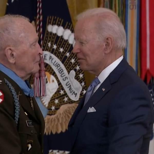 Biden awards Ralph Puckett the Medal of Honor