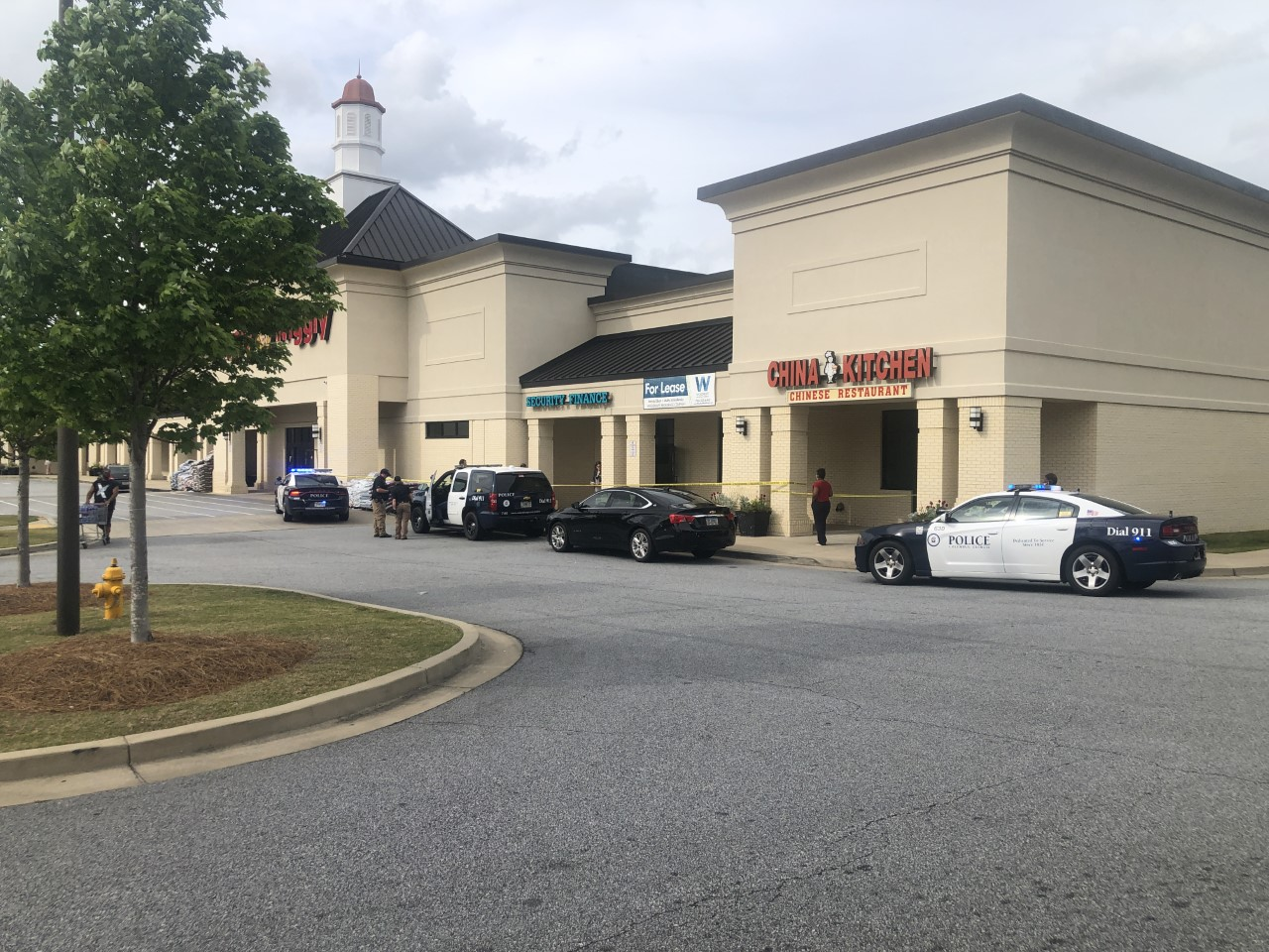 Police outside Piggly Wiggly on Floyd Road in Columbus, Ga.